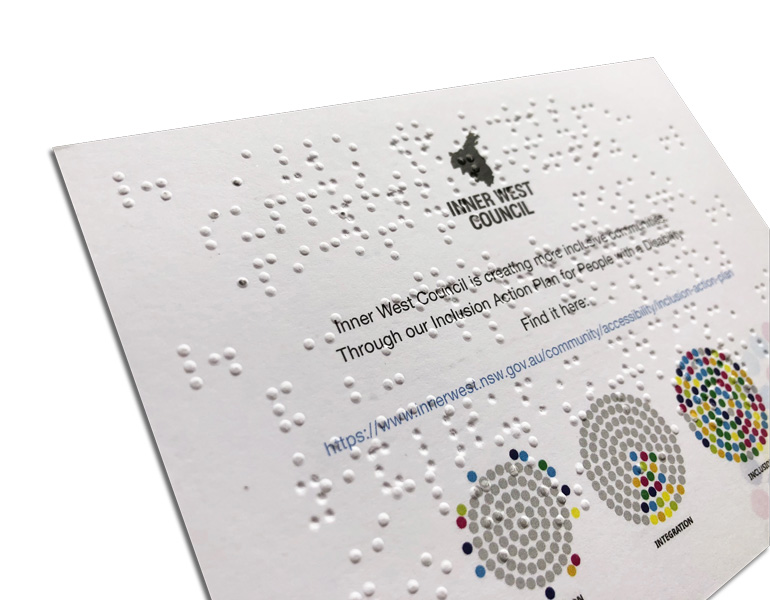 braille-close-up-on-card